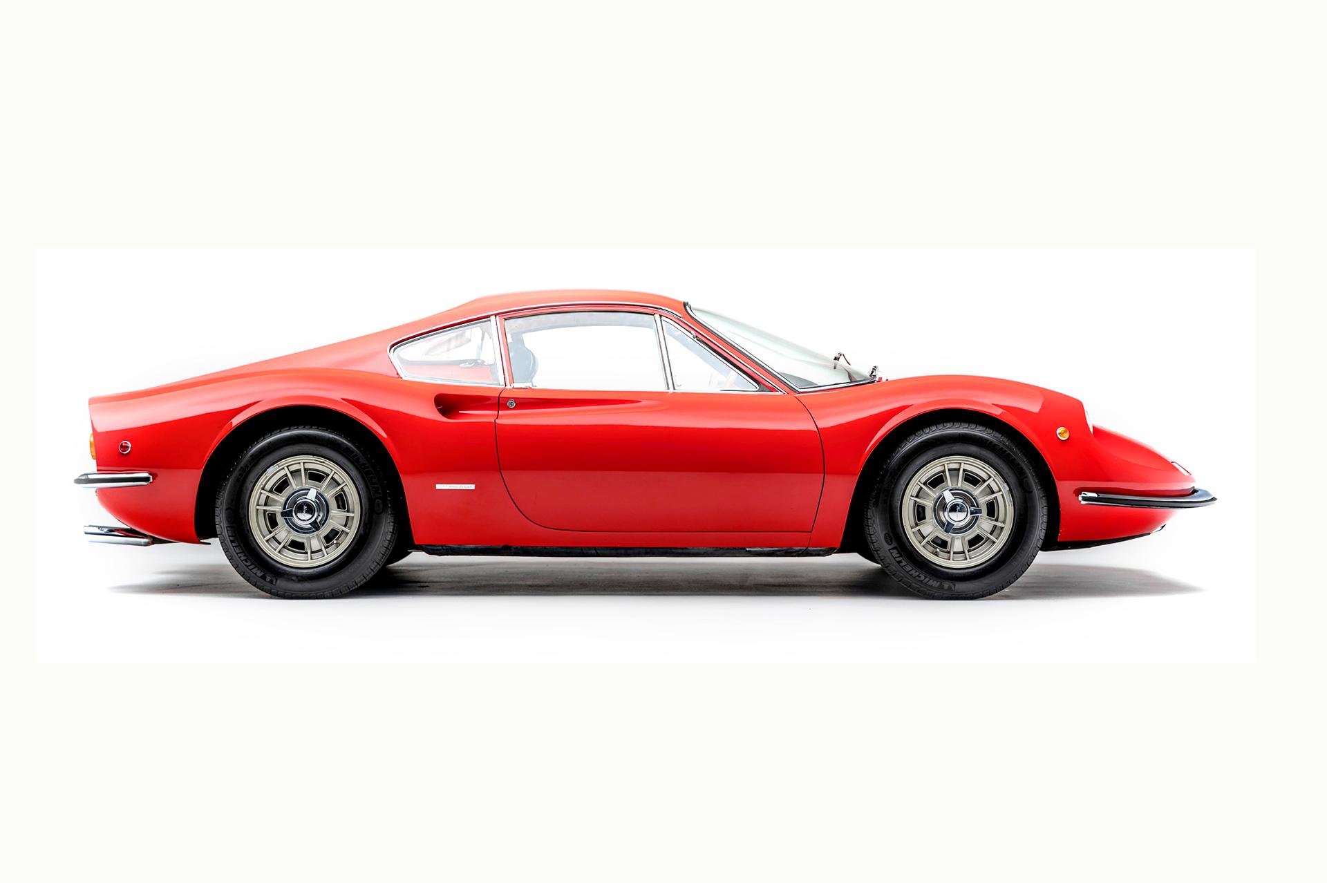 Ferrari Dino Yol Otomobilleri (1967-1976)
