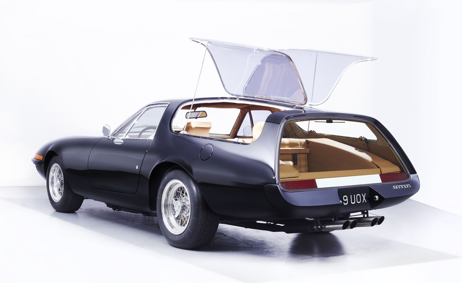 Ferrari 365 GTB / 4 Daytona Shooting Brake